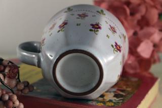 ピンクの小花柄のカップ&ソーサー2客セット