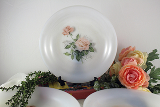 【ARCOPAL】ピンクの薔薇の皿3枚セット
